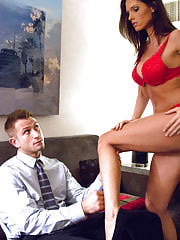 Jennifer Dark is Todays Fiancee