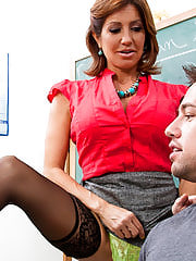 Secretary Sex, Tara Holiday